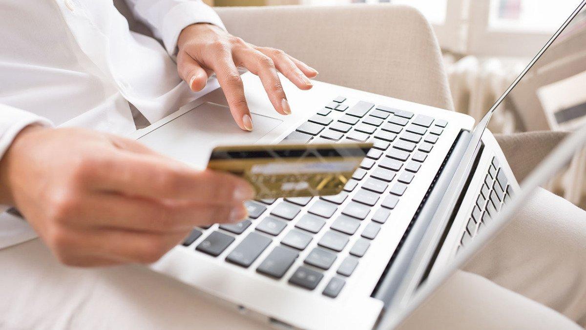 можно ли переводить деньги с кредитной карты тинькофф на другую карту без процентов