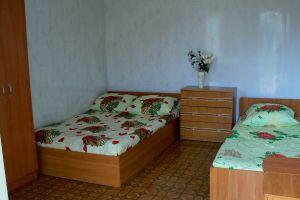 №11452565, продается дом, 25 спален, площадь 300 м², участок 16 сот, Мира, пгт.Кирилловка, Запорожская область, Украина