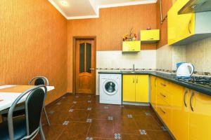№11461328, сдается посуточно двухкомнатная квартира, 2 комнаты, площадь 60 м², ул.Софиевская, 2, г.Киев, Киевская область, Украина