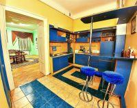 №11590917, сдается посуточно квартира, 2 комнаты, площадь 76 м², Валова, 25, г.Львов, Львовская область, Украина
