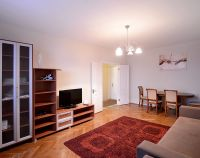 №12920108, сдается посуточно двухкомнатная квартира, 2 комнаты, площадь 70 м², ул.Михаила Омельяновича-Павленко, 13, г.Киев, Киевская область, Украина