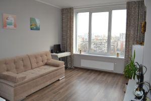 №13085100, продается однокомнатная квартира, 1 комната, площадь 36 м², ул.Богатырская, 6а, г.Киев, Киевская область, Украина