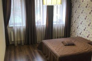 №13501613, сдается посуточно квартира, 2 комнаты, площадь 115 м², пл.Голосеевская, 13б, г.Киев, Киевская область, Украина