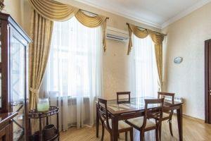 №13740631, продается квартира, 3 комнаты, площадь 130 м², ул.Сечевых Стрельцов, 10, г.Киев, Киевская область, Украина