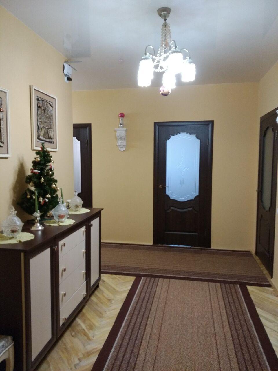 общая площадь 120,2 кв.м., жилая площадь 62,5 кв.м., 3-й этаж, новый ремонт, паркет, новая м...