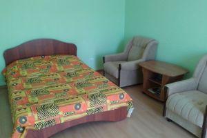 №9437081, сдается посуточно однокомнатная квартира, 1 комната, площадь 32 м², Кирова, 33, г.Керчь, Крым, Украина
